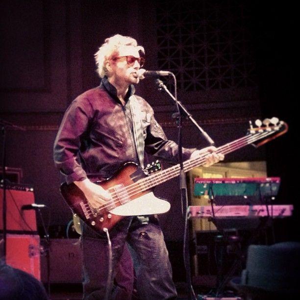 @spacehogofficial @Ralko Stradlin at @wmarocks 8.1.13 #spacehog #rock — with SPACEHOG Official Facebook and Royston Langdon at Nashville War Memorial Auditorium.