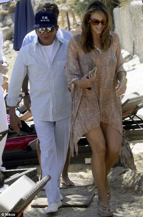 Η Liz Hurley και ο Paul Valentino στη Μύκονο. 19/08/2008.