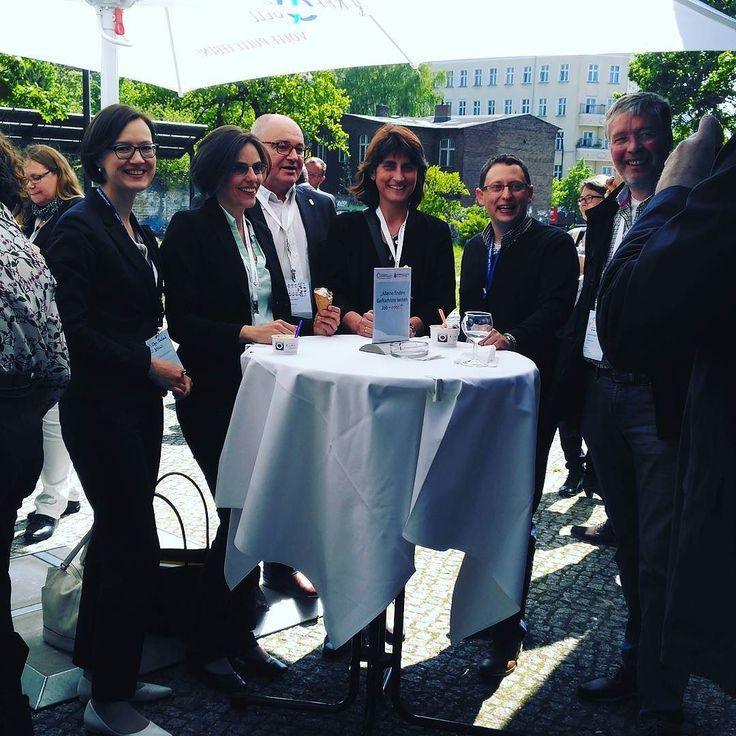 Auch das BMWi ZDH und Bafa vor Ort bei der Tagung. Das Ohr dicht an den Multiplikatoren.  #barcamp #mnwt17 #ministerium #bmwi #berlin #bafa #zdh #ihk #ihkgmbh #instapic #instagood #instaphoto #umweltforum #networking #netzwerk_uif #instapicture
