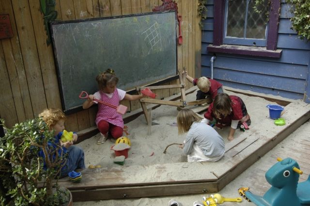 ONE 2 ONE CAFE, PONSONBY, AUCKLAND Sandpit area for the kids to play in.