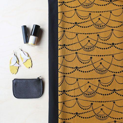 JUHLAStretch College, Nutmeg - Black | NOSH Women Autumn 2016 Fabric Collection is now available at en.nosh.fi | NOSH Women syysmalliston 2016 uutuuskankaat saatavilla verkosta nosh.fi