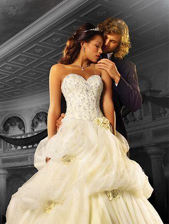 Robe de Mariée inspirée de la Belle et la bête de Walt Disney signé par Alfred Angelo