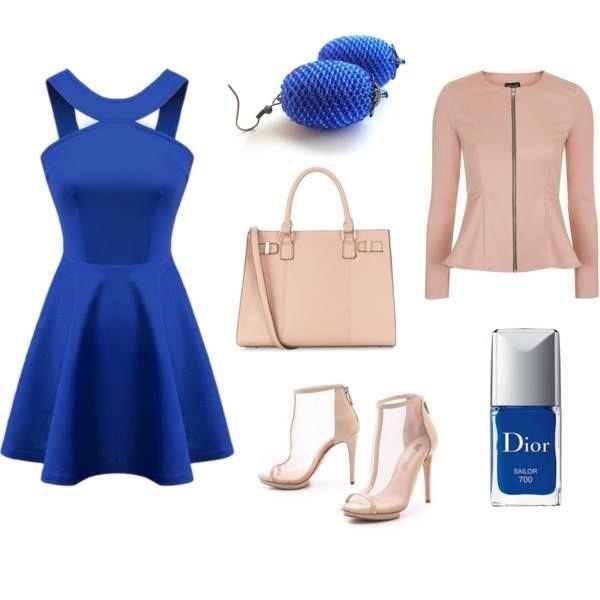 Kráľovská modrá stlmená jemnou púdrovou. Outfit - Šperky Salina & Natalyss
