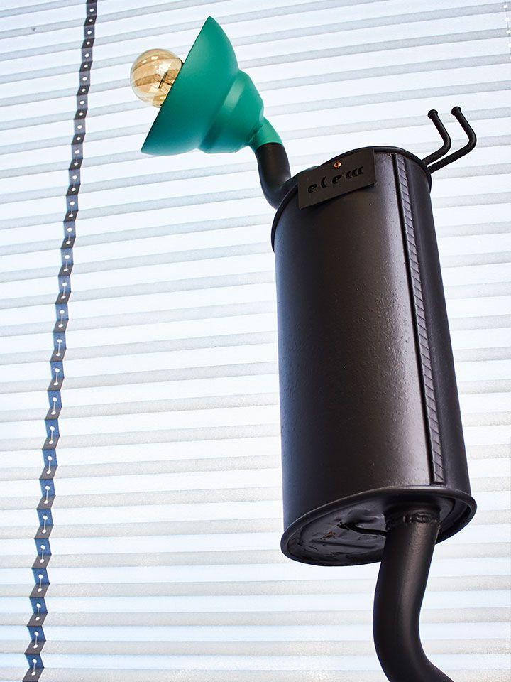 Upcycle. La Lampada da terra Fusion Recycle è un pezzo unico prodotto da Elem Creative Lab.