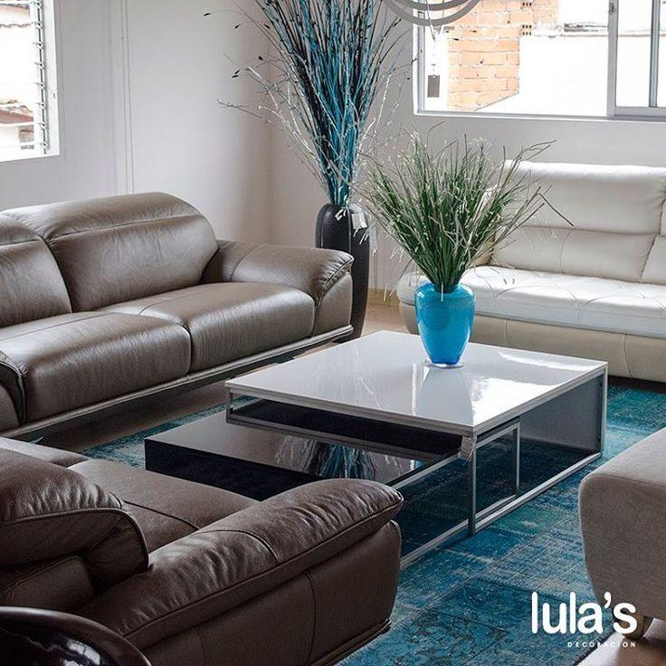Al momento de elegir tu sala, ten en cuenta la iluminación. Puedes aprovechar la iluminación natural y reforzarla con la iluminación artificial. Estamos ubicados en la transversal 6 # 45 – 79, Patio Bonito, Medellín.  #interiordesign #home #style #decor #decoración #espacios #ambientes #decohogar #muebles #mobiliario #decoracioninteriores #comedor #sillas #hogar #diseño #homesweethome #cozy #habitaciones