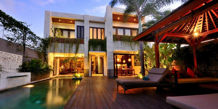 Holiday oasis at the private, luxurious Phil's Villas in Seminyak, Bali. Find them at www.utopia-asia.com/accbali.htm