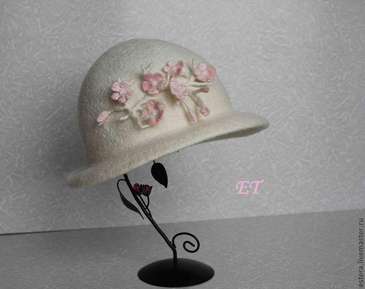"""Купить Шляпка """"Цветение персика"""" - белый, шерсть, валяная шляпка, цветы ручной работы"""