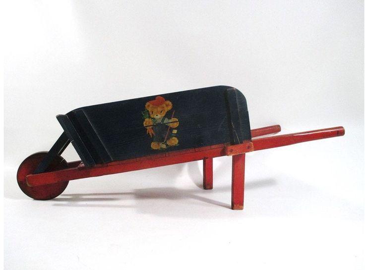 Brouette d'enfant, Antique des années 1930, Années 1940, Miniature à côtés amovibles, Cha…