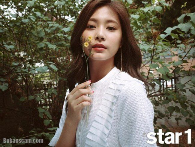 TWICE for @ star1 Magazine June Issue : http://www.bukanscam.com/2017/05/twice-for-star1-magazine-june-issue.html