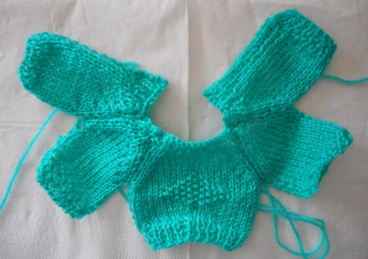 pull vert bébé 20 cm _ tuto gratuit