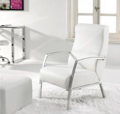 Butaca de espera Anglet blanca. 170 €. Estructura cromada. Piel sintética.  Ancho: 60 cm.  Profundidad: 63 cm.