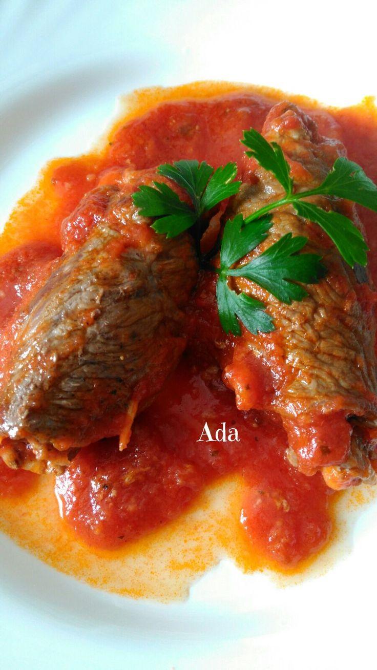 Saltimbocca al sugo  Ingredienti:    Fettine di Vitello per involtini,  Prosciutto cotto a fettine,  Uova già lesse,  Mozzarella o scaglie ...