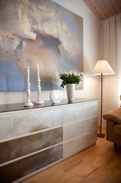 Bloom Mineraalimaaleilla käsitelty Ikean lipasto. http://colornova.fi/