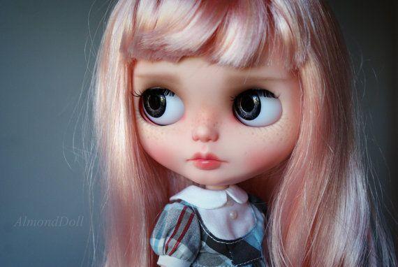 Nellie - zakázková OOAK Blythe panenky, jedinečné umělecké panenky podle AlmondDoll