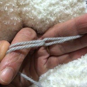 La méthode que j'utilise pour changer de pelote de manière invisible en cours de tricot, en vidéo.
