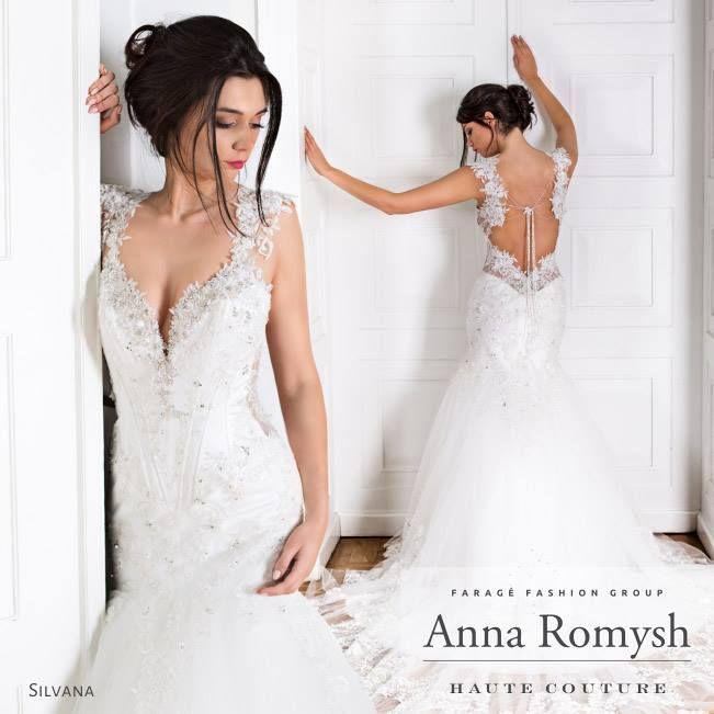 TRUNK SHOW Anna Romysh Haute Couture – Faragé Paris Boutique  Anna Romysh Haute Couture collection – Silvana dress #ARHC #AnnaRomysh #HauteCouture #bridal #lacedress #lace #weddingdress #hautecouture #AnnaRomyshHauteCouture #backdress #train  #suknieślubne #ślub