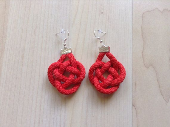 Cotton earring. Knot earring. Celtic knot earring. red by Kreseme