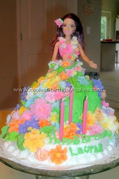 hawaiian doll cake | Coolest Hula Girl Cakes for a Luau Party Idea