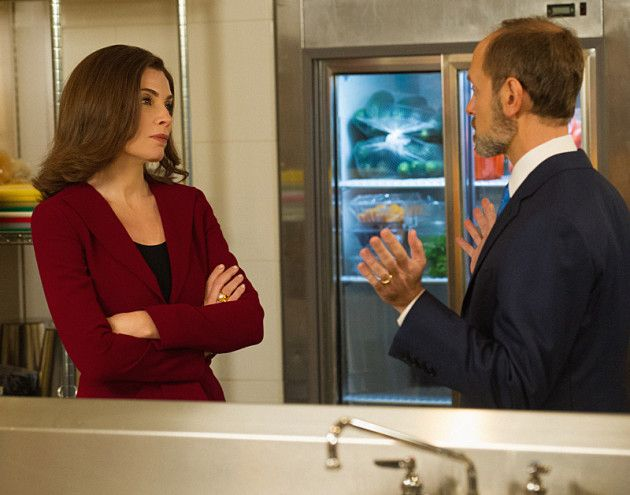 On The Good Wife Season 6 Episode 12, as the debate between Frank Prady and Alicia Florrick gets underway, Governor Florrick faces a potential race riot after a verdict comes down. Read on to find out how both Florricks fared...