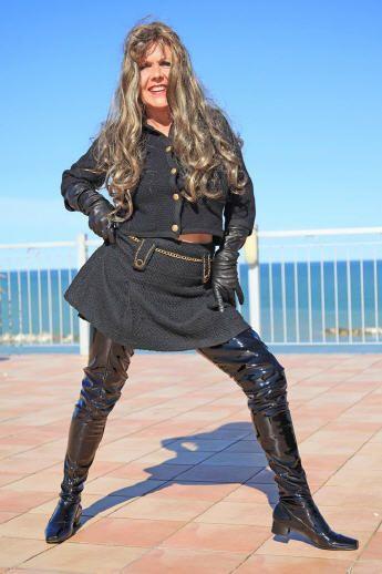 Crotch boots, extra langer Overknee Lackstiefel im Stil der 60er Jahre schwarz