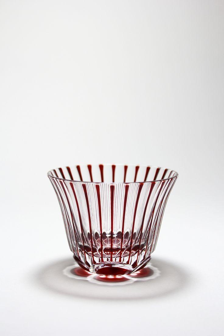 Cut glass of twist Japanese plum . ひねり梅ぐい呑み。 もっと見る