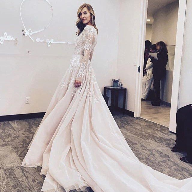 All the slay, all day #hayleygown by #hayleypaige @candyerin #dreamdress #engaged #dotd #slay