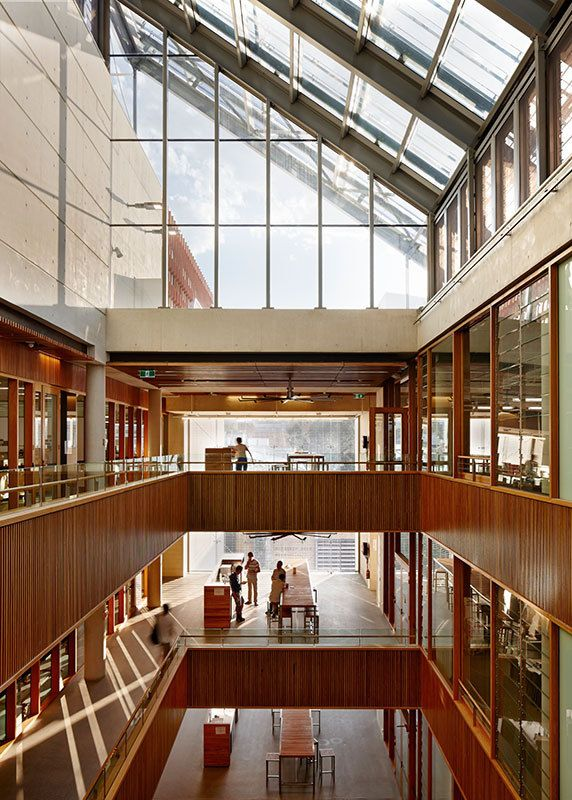 Advanced Engineering Building / Richard Kirk Architect + HASSELL