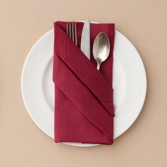 paper napkin folding We put together five quick and easy napkin fold tutorials to help spruce up  fog  linen work cloth napkins were used in this tutorial and can be.
