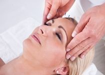 Acupuncture: An Effective Natural Remedy for Allergieshttp://www.doctorshealthpress.com/general-health/acupuncture-alternative-treatment-for-allergies
