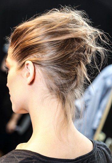 Coiffure facile pour les fêtes : Le chignon tressé - Idées coiffures: 7 coiffures de podium faciles pour les fêtes - aufeminin