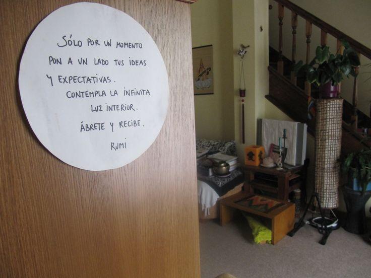 21:05 Hogar dulce hogar. Esta cita de Rumi me invita a entrar en el espacio con otra actitud.