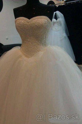 Čistonové snehovobiele luxusné perličkové svadobné šaty - 1
