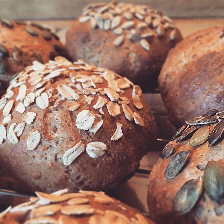 Quark - Vollkornbrötchen, ein sehr leckeres Rezept aus der Kategorie Brot und Brötchen. Bewertungen: 88. Durchschnitt: Ø 4,4.