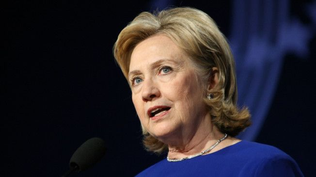 Clinton Knocks Obama's 'Don't Do Stupid Stuff' Foreign Policy Approach