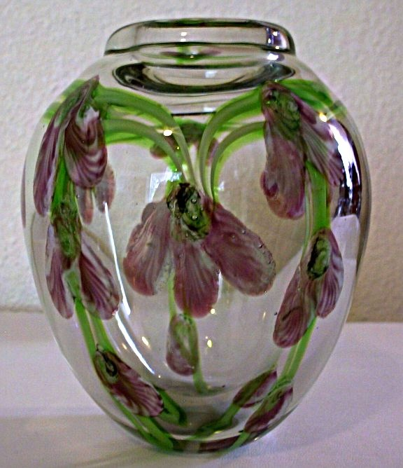 Chinese vase - very abundant. Some are well made. Others sloppy.