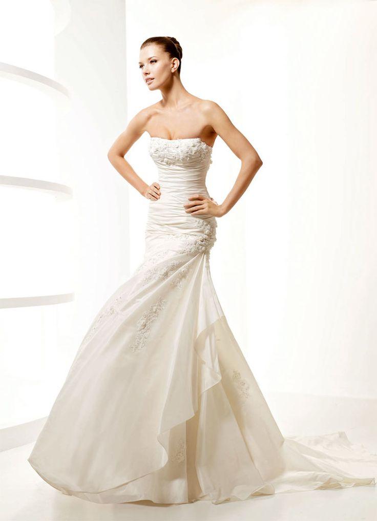 Amazing gown. Moda donna, abiti donna, moda femminile