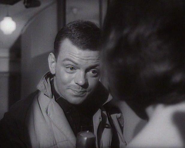 som P.3-reporteren, i Mord for åbent tæppe fra 1964.
