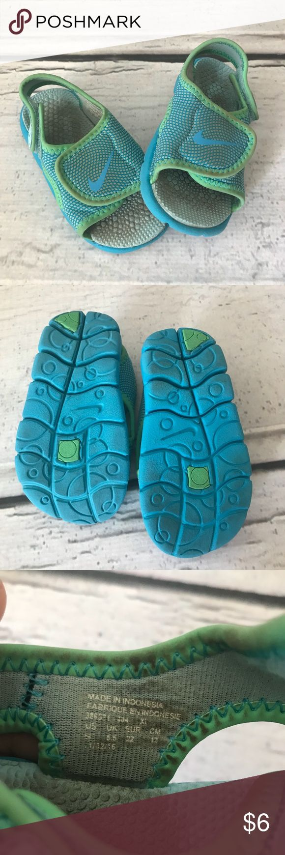 Nike Velcro Sandals Comfiest Sandals! Velcro across top and back strap for perfect fit. Some scuffing. Lots of adventures left in these! Smoke-free home. 6.5 toddler Nike Shoes Sandals & Flip Flops
