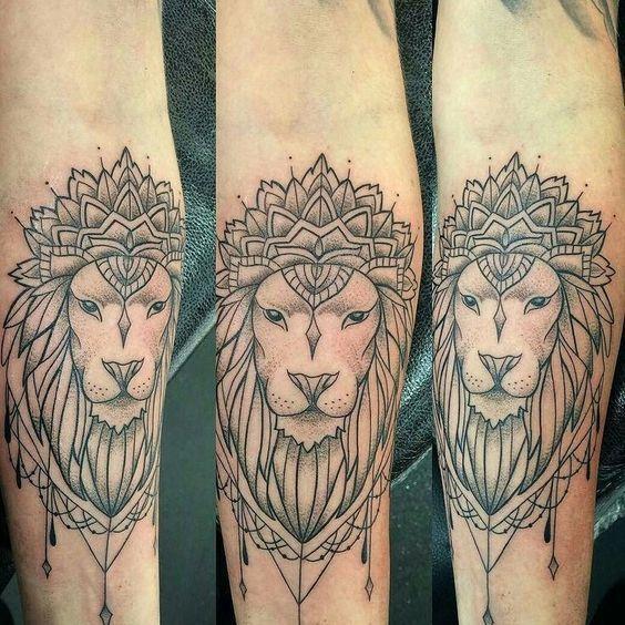 plus de 25 id es magnifiques dans la cat gorie tatouage lion sur pinterest dessin de lion. Black Bedroom Furniture Sets. Home Design Ideas