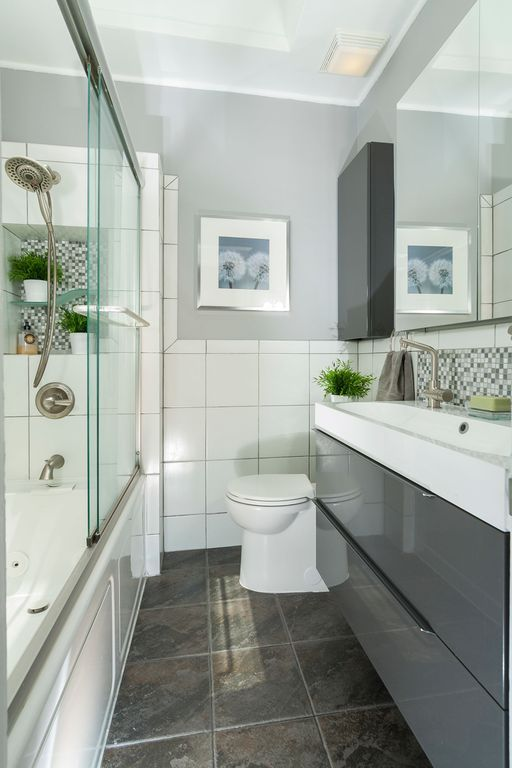Smart Lighting Fixtures Can Make Up For The Absence Of Windows On Bathrooms
