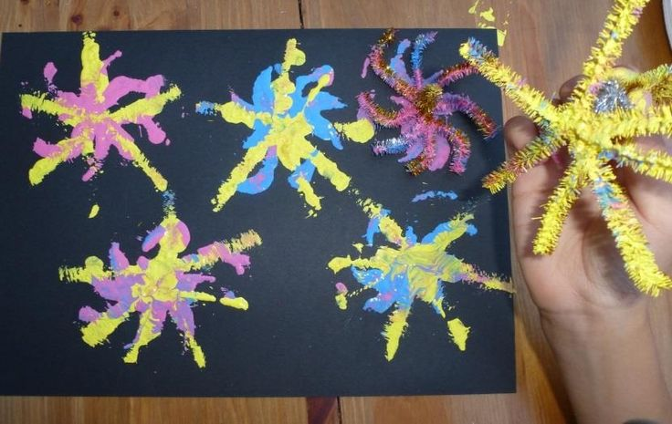 """With bonfire night on the horizon, why not give these Firework print paintings a go. Just twist some pipe cleaners together, dip and paint!  Now all together; """"oooooo!"""" """"Aaaahhh!"""""""