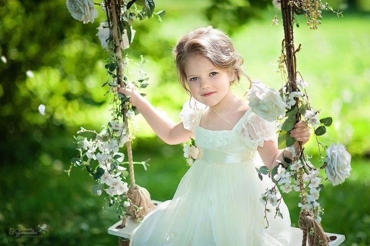девочка, качели, лето, дество, цветы, ребенок, весна