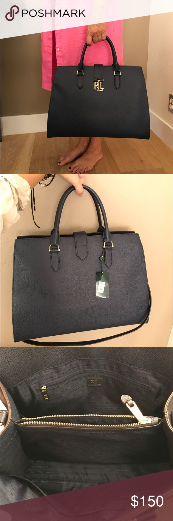 Ralph Lauren NEW Navy Purse Ralph Lauren purse, perfect for a day out, large enough to hold most things you'd want in a purse. Classy, has tags. Ralph Lauren Bags Shoulder Bags