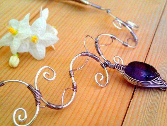 Amethyst und Silber Draht kurze Halskette. von LaSolis auf Etsy