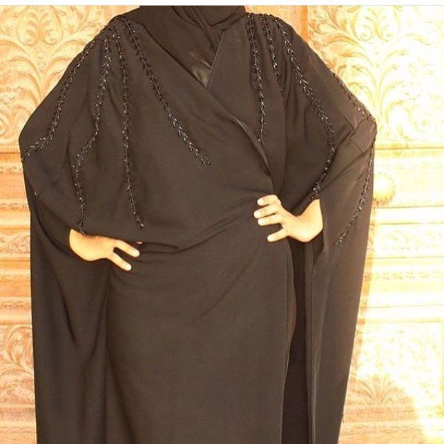 عباية كريب أسود مطرزه عبايات عباية عبايه Abya Hejabebis Fashion Design Embroidery Fashion Fashion Design Sketches