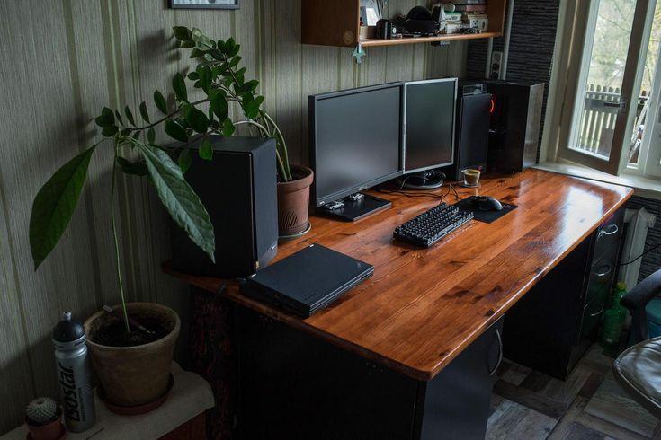 die besten 25 gaming schreibtisch ideen auf pinterest gaming schreibtisch gaming computer. Black Bedroom Furniture Sets. Home Design Ideas