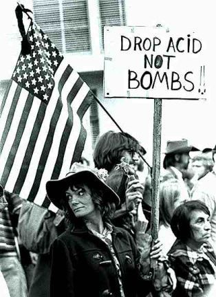 Vietnam war protest in America-Again I say Damn hippies