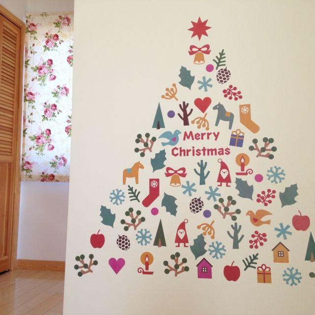 alyssavegeさんの、クリスマス,スウェーデンハウス ,ローズ,ホワイト,ウォールステッカー,ナチュラル,北欧,リビング,のお部屋写真