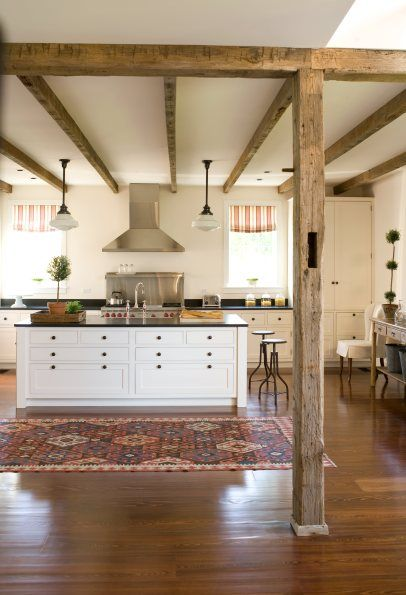 Simple and warm kitchen - rustic feeling …