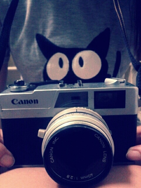 Canon Canonet 28 with เหมียว ๆ =^,^=